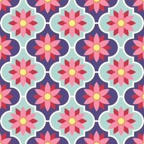 04029356 : crombus flower : spoonflower0229