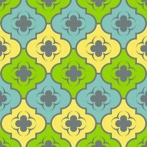 04037494 : crombus quatrefoil : spoonflower0165