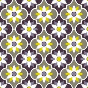 04051537 : crombus flower : spoonflower0197