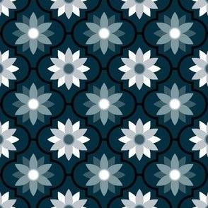 04051538 : crombus flower : spoonflower0166