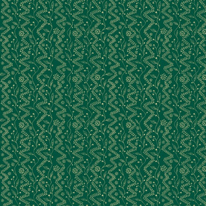 henna zigzag cream on green