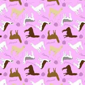 Little Llamas with yarn - pink