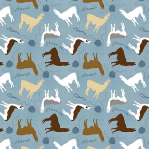 Little Llamas with yarn - blue linen