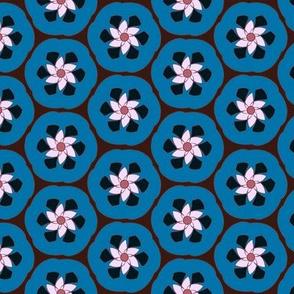 Bluefruit Retro Crescent Flower