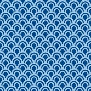 Animal Dream Otter_blue scallops