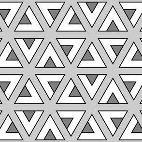 04834202 : teepee triangle twirl : D