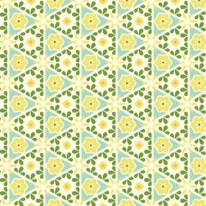 Cream Pyramid Floral - Victorian Lemon