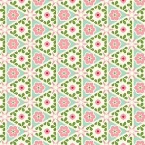 Cream Pyramid Floral - Victorian Rose