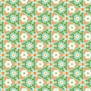 Pyramid Floral - Victorian Apricot