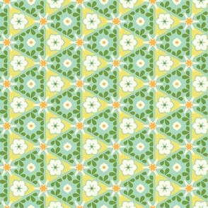 Pyramid Floral - Victorian Lemon