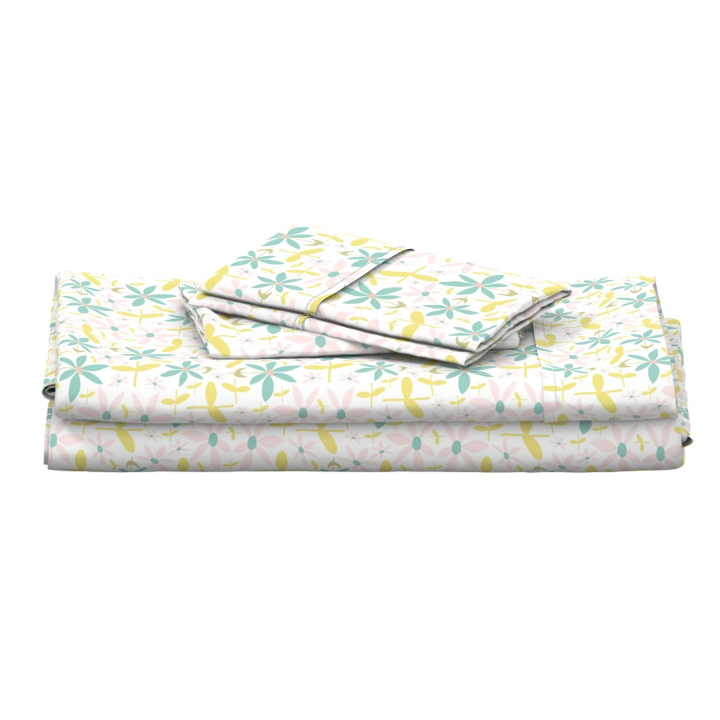 Langshan Full Bed Set featuring Soft Floral Maze by studiojulieann
