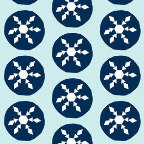 Snow ball fight-pale blue