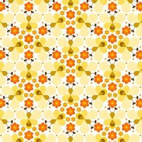 05113808 : teardrop heart bee : orange cream
