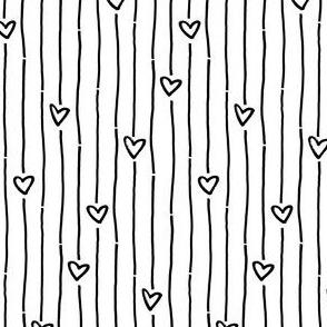 Heart Stripes – black white