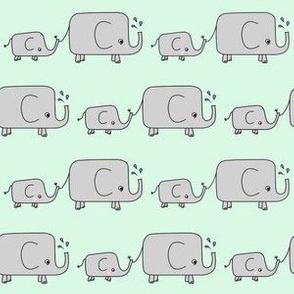 Elephants // green elephant savannah animal
