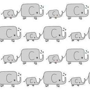Elephants // grey elephant savannah animal