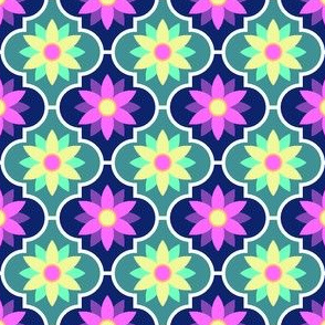 05390620 : crombus flower : may2016prompt