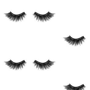 EyeLashes Larger Scale