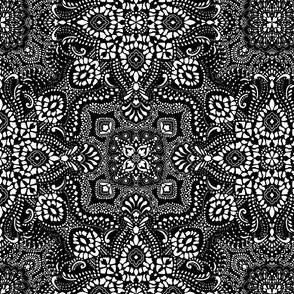 Mosaic Bandana - LARGE - Black & White
