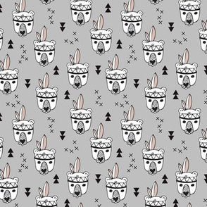 Cool geometric Scandinavian winter style indian summer animals little baby grizzly bear gray white XS