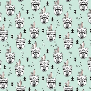Cool geometric Scandinavian summer style indian summer animals little baby grizzly bear mint white XS