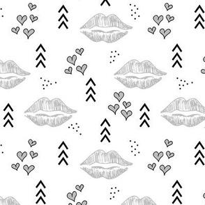 Kisses // Grey and black