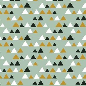 Herbs coordinate triangles (light)