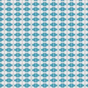 kaleid_bluepenant_diamond