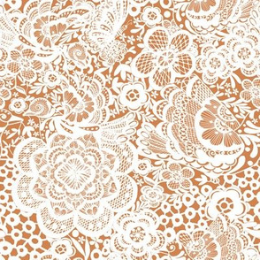 Nude bronzed / white Lace