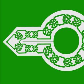 celt collar 1 green on silver