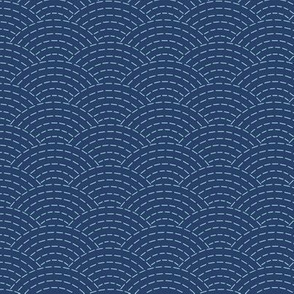 faux sashiko scallop on navy