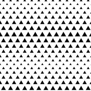 halftone triangles black