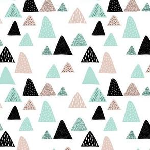Abstract geometric triangle mountain peak winter Scandinavian style mint black and white XS