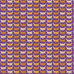Trotting Golden Retriever border purple - small
