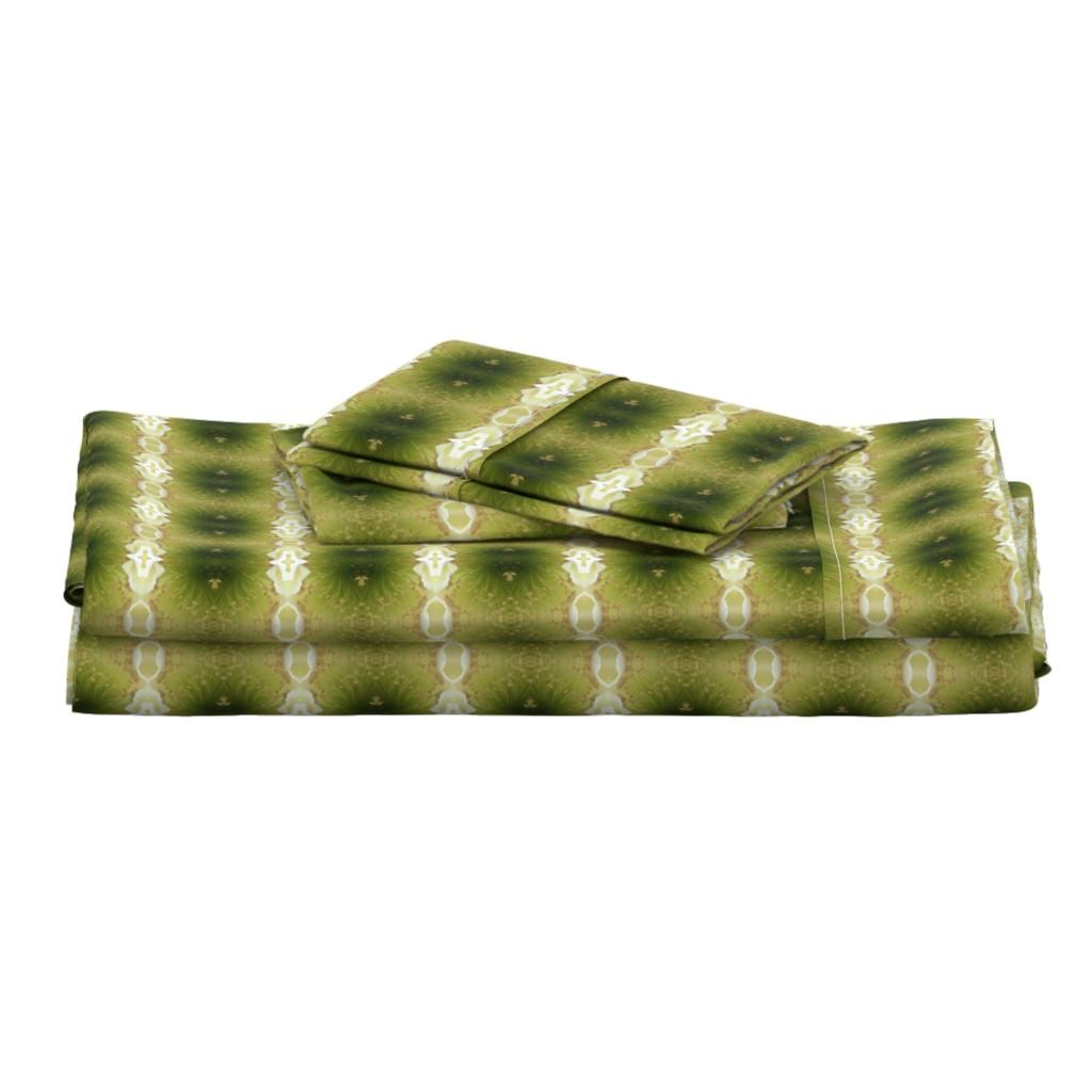 Langshan Full Bed Set featuring Beautiful Cactus Flower by gargoylesentry