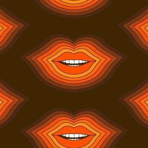 Pop Lips // Golden