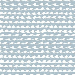 White waves / Blue ocean