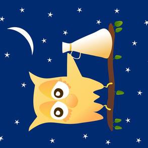 Noisy owl with a loud hailer at night on a branch with foliage under the moon and stars / Hibou avec un mégaphone la nuit sur une branche avec des feuilles la nuit sous la Lune et les étoiles