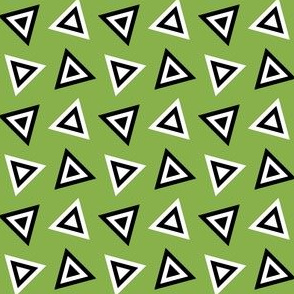07233582 : triangle 4g : spoonflower0372