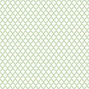 quatrefoil apple green on white - small