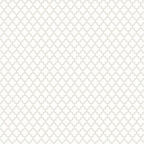 quatrefoil sand on white - small