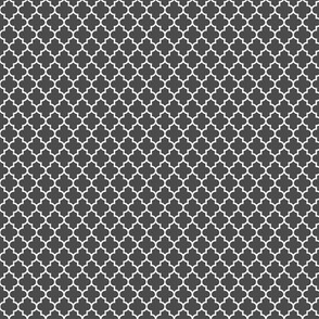quatrefoil dark grey - small