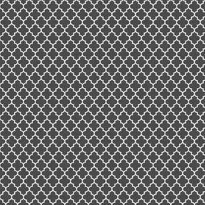 quatrefoil dark grey - small