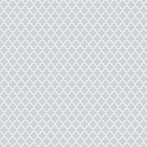 quatrefoil light grey - small