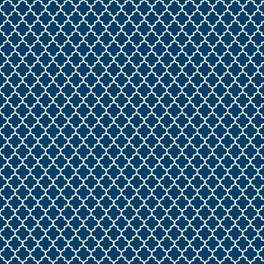 quatrefoil navy blue - small
