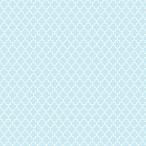 quatrefoil ice blue - small