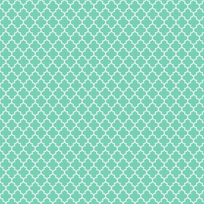 quatrefoil sea foam green - small