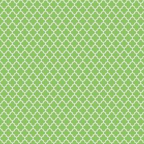 quatrefoil apple green - small
