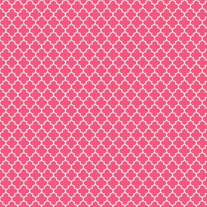 quatrefoil hot pink - small