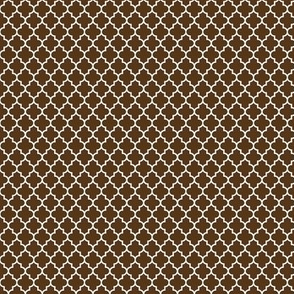 quatrefoil brown - small